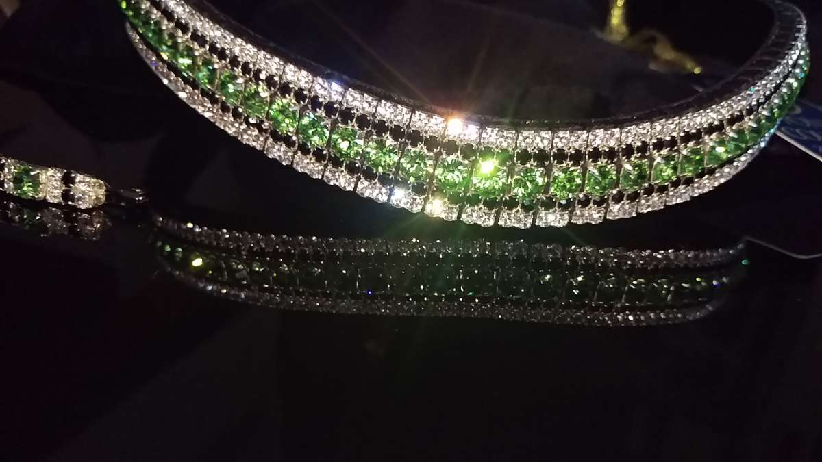 Lime Green, Jet and Clear five row Crystal Browbands from PonyCouture. Stunning hand made on Sedgwick English leather and using Preciosa crystals, our bling browbands are perfect for Dressage, Showjumping and all Equestrian sports. Don't miss out on this stunning handcrafted dressage bling.